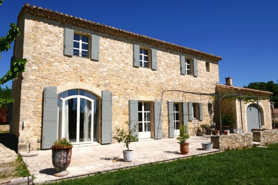 House france uzes 199191 prestige property group for Garage uzes gard