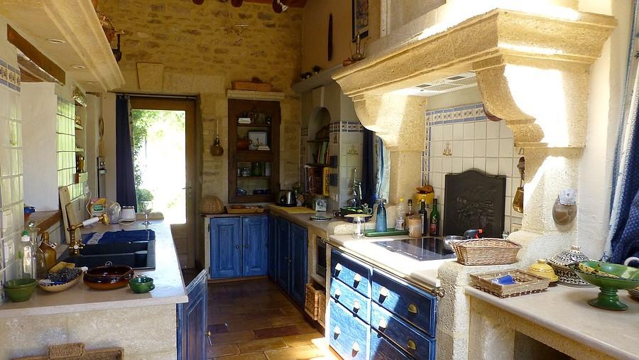 House france uzes 204055 prestige property group for Garage uzes gard