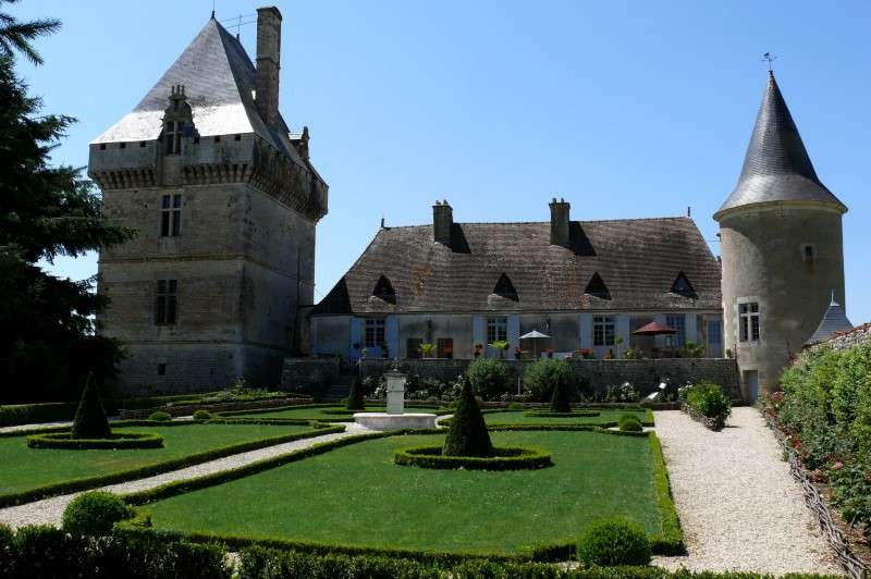 French chateau france poitiers 205629 prestige for Vienne poitiers