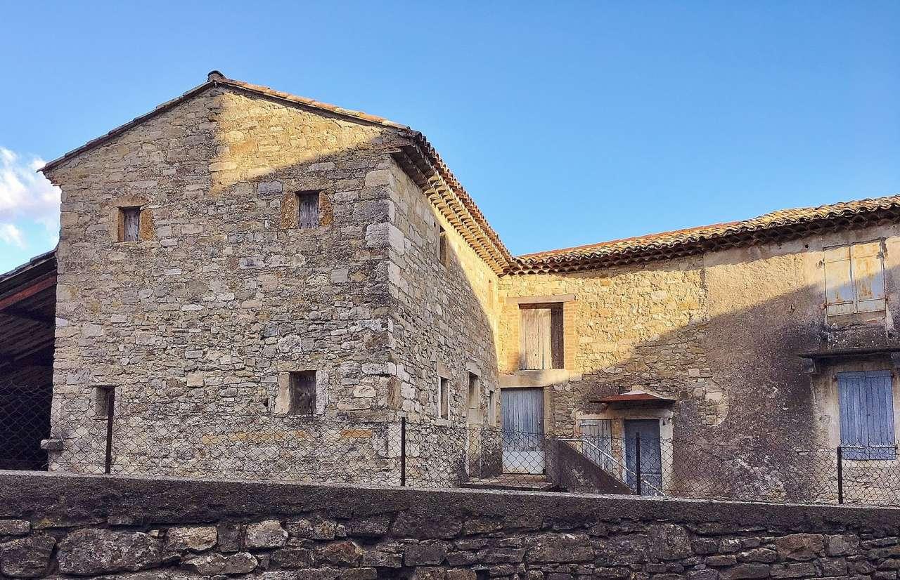 Farmhouse france uzes 206205 prestige property group for Garage uzes gard