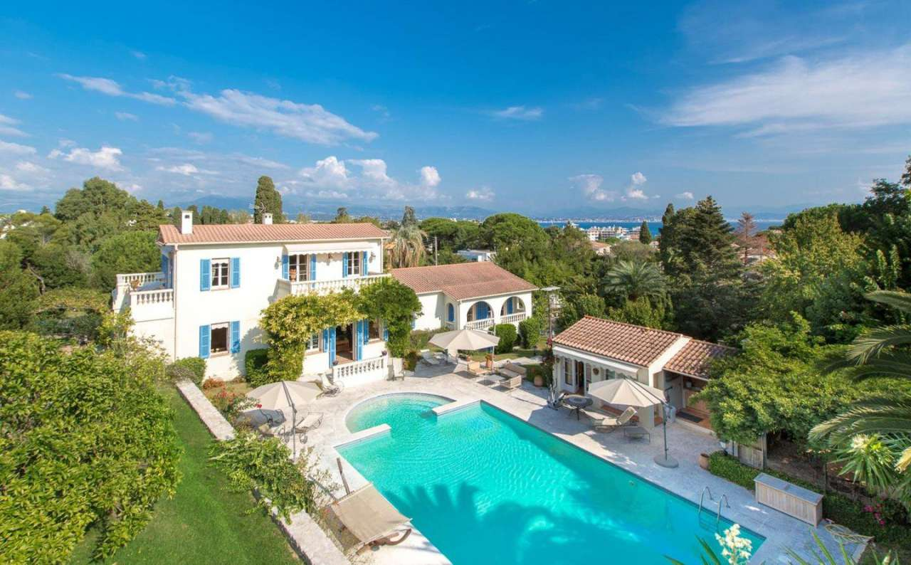 Villa france cap d 39 antibes 206308 prestige for Riviera house