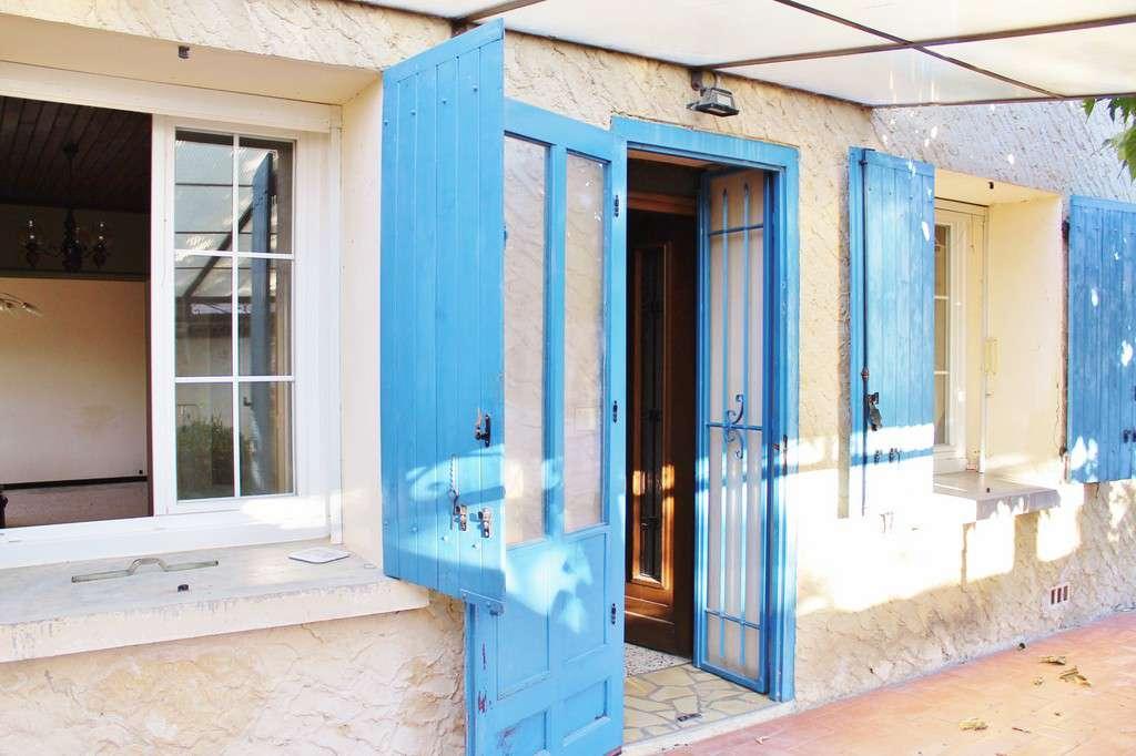 House france uzes 208608 prestige property group for Garage uzes gard