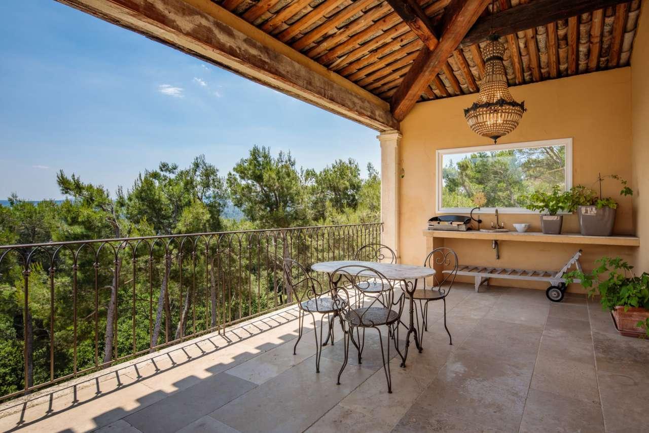 villa france le tholonet 209204 prestige property group. Black Bedroom Furniture Sets. Home Design Ideas