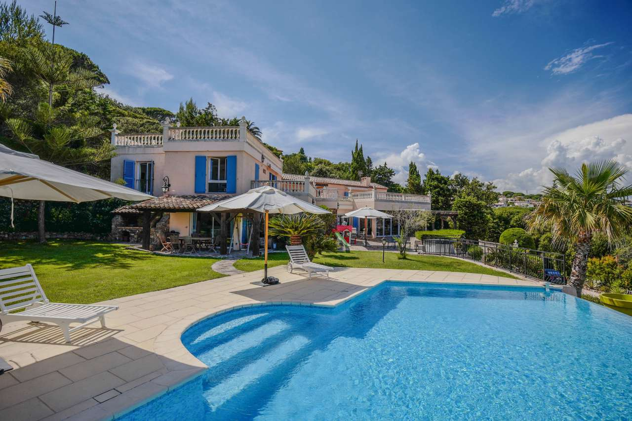 Luxury Inviting , Sea View 7 bedroom Villa Sainte Maxime ...