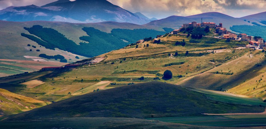 Umbria hills where you will find property for sale in Italy.