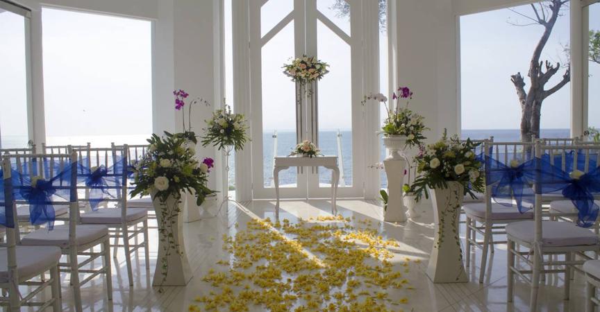 A beautiful wedding venue overlooking the sea