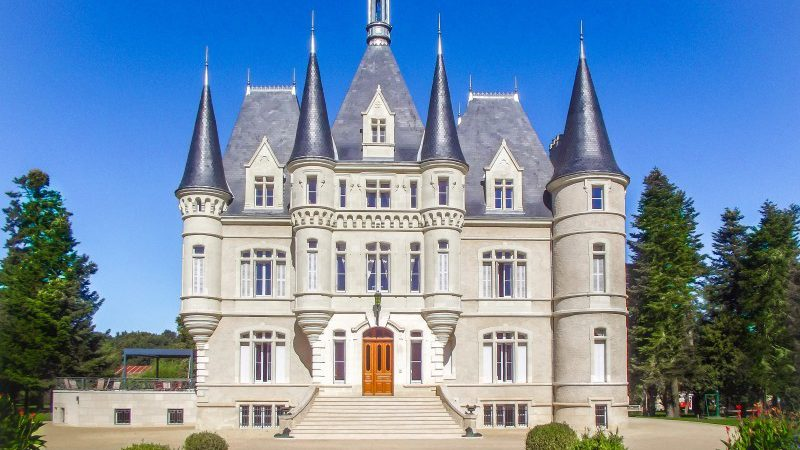 Fairytale chateau in Poitou-Charentes