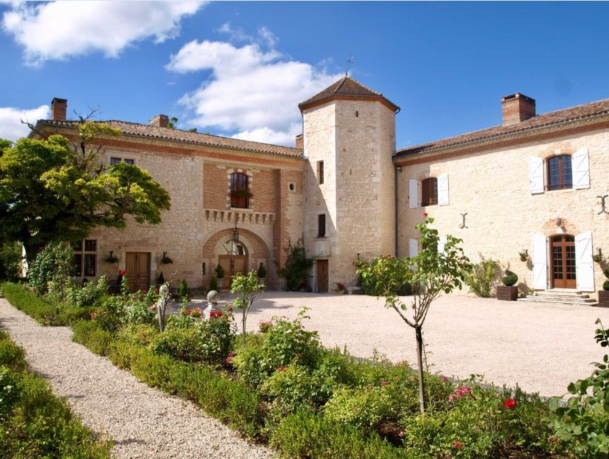 Holiday let chateau for sale
