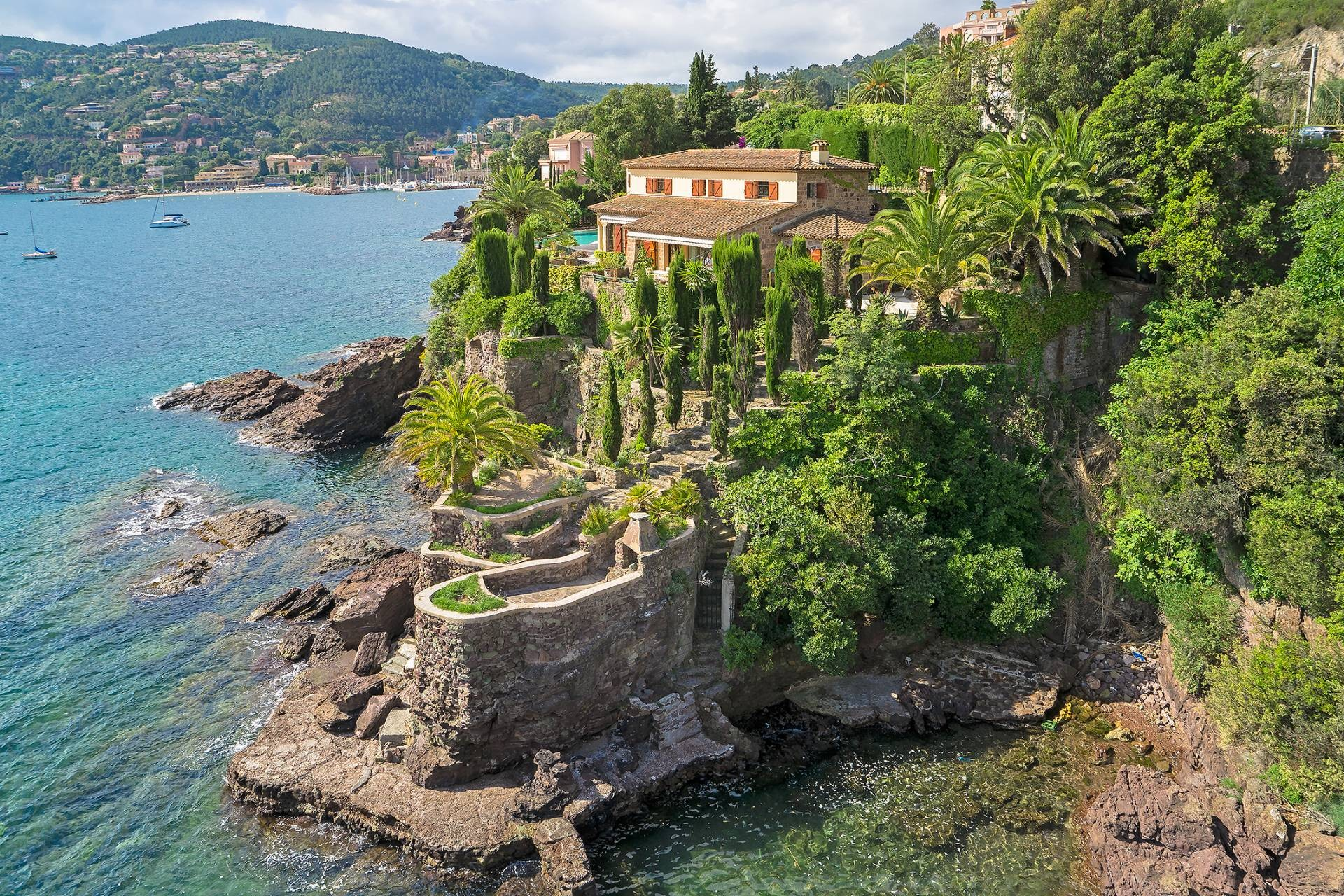 Stunning waterfront Cannes Property