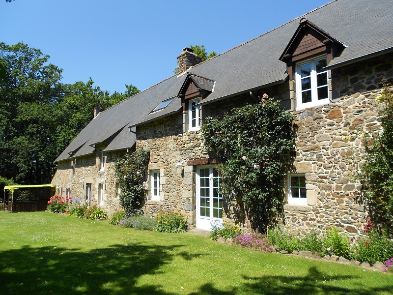 Brittany farmhouse for sale