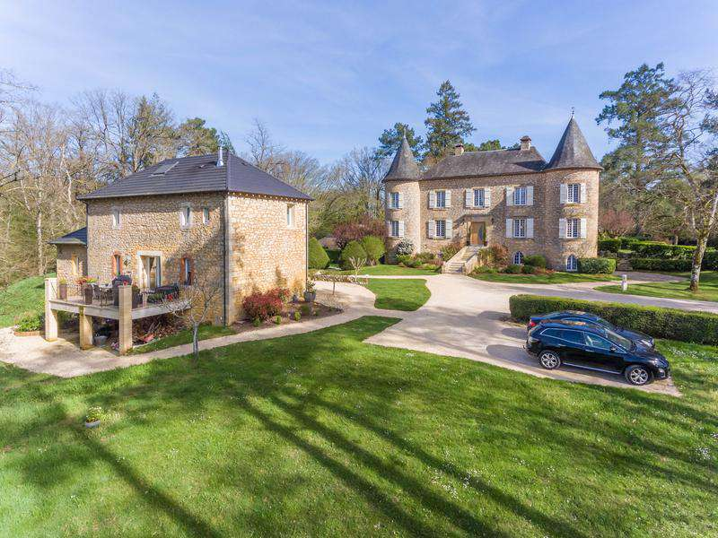 Sarlat Chateau for sale Dordogne