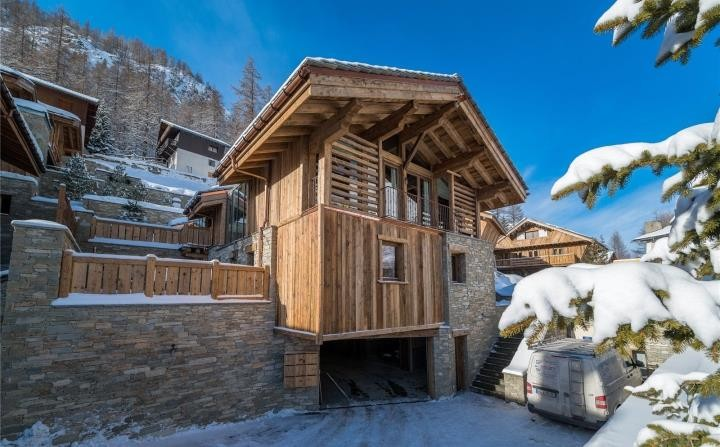 Luxury chalet for sale in Val d'Isere