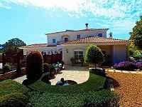 Outstanding Villa and Gardens  in 33 hec...