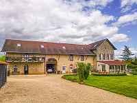 7 bedroom house for sale, Charroux, Vien...